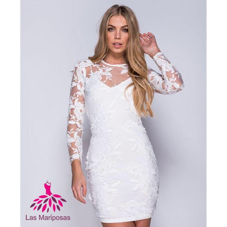 Το πιο νεανικό και ύπεροχο lace φόρεμα, σχεδιασμένο με διάφανα δαντελενια μανίκια και άνετη γραμμή, πλήρως φοδραρισμενο.