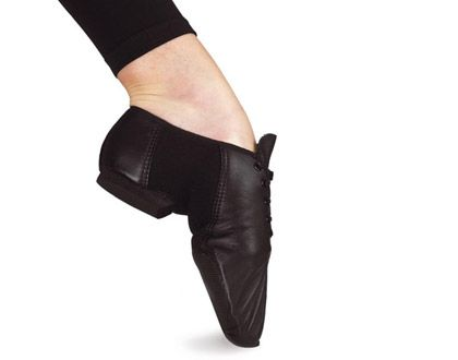Ref: SO493    Bloch's advanced neoprene split sole jazz shoe is the most exciting shoe in years. Leather upper with neoprene arch that moulds perfectly to your foot. Rubber forefoot pad and heel.
