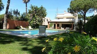 Huis in Vilamoura met Wi-Fi, zwembad w / omheining, tuin en BBQ