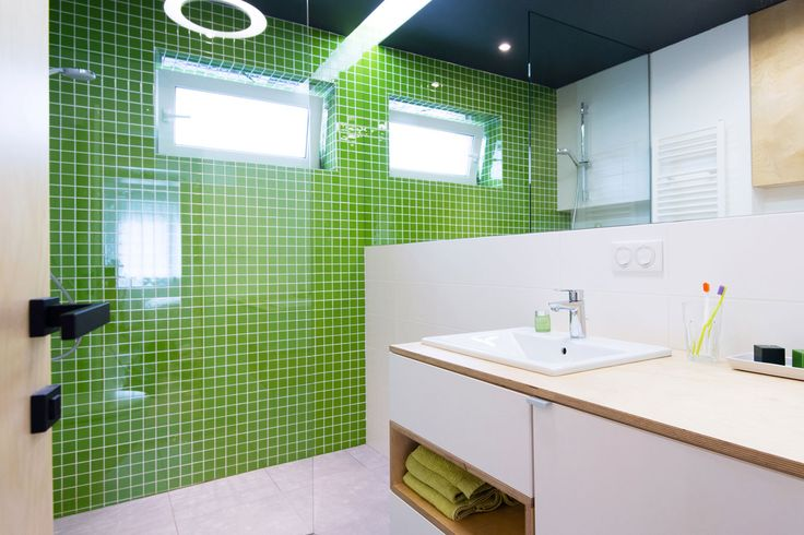 Groene mozaïek tegels - badkamer