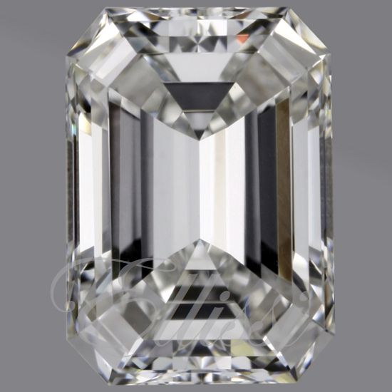 Some things in life are not perfect, but then we come across this-- a perfect #emerald cut. We know that it is possible to have at least this one thing... #perfect.