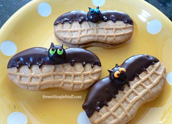 COOKIES:: SPECIALTY, HALLOWEEN: Nutter Butter Bats & Other Stuff at sweetsimplestuff.com