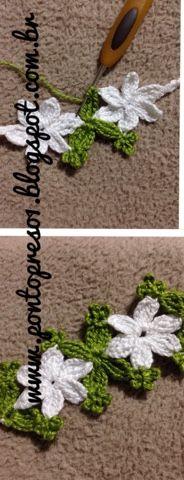 Adorei criar este efeito de Flor e Folhas nesta trama...   Iniciar com 5 correntes; fazer 3 Pontos Altos Triplos fechados juntos; sub...