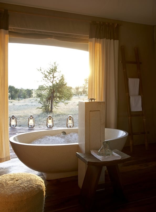 Bath with a View - Sayari Camp