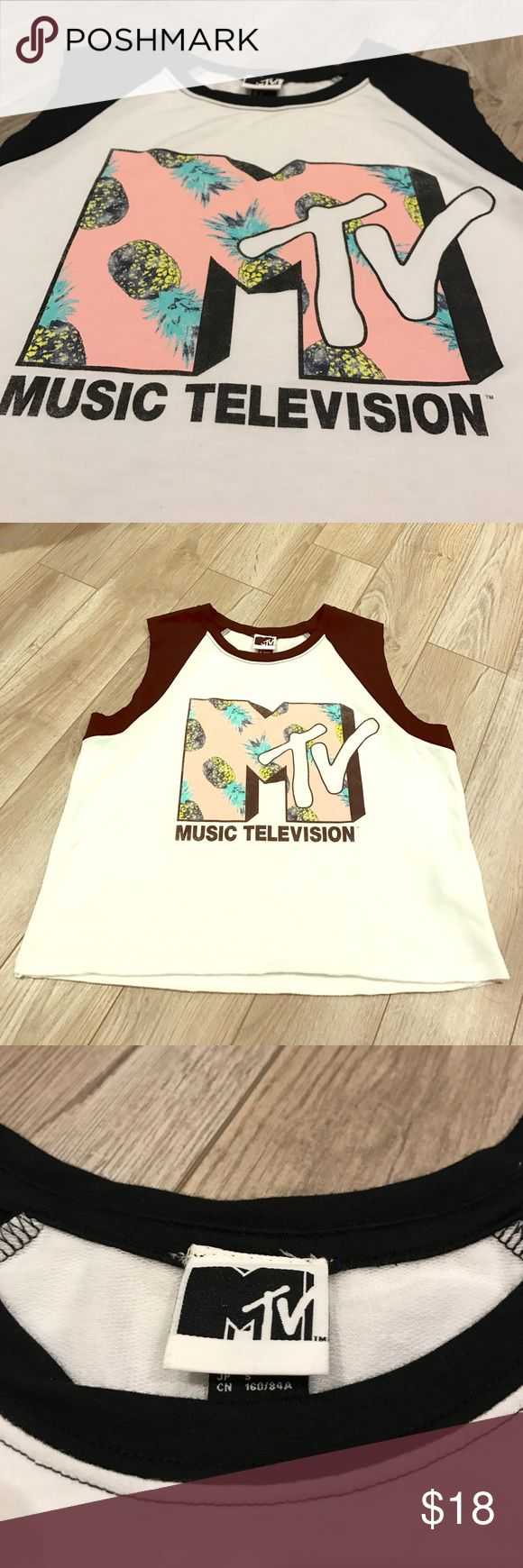 MTV | Black White Cut Off Sleeveless Crop Top EUC MTV music television black white pink pineapple crop top. Perfect for spring break! MTV Tops Tank Tops