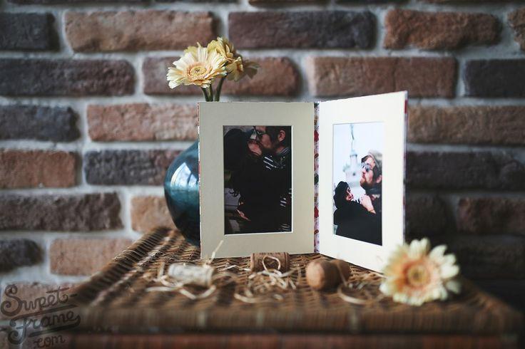 Рамка для двух фотографий сохранит ваши памятные моменты на долгие годы. - Рамка полностью ручной работы - Изготовлена только из качественных материалов - Высокое качество - Вмещаются две фотографии 15х20
