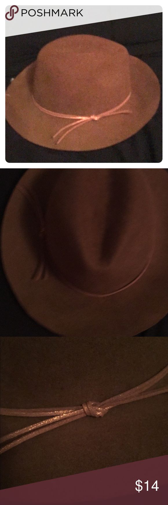 👒Brown Fedora NWT👒 Gorgeous felt fedora. Never worn comes with tags attached. Nine West Accessories Hats