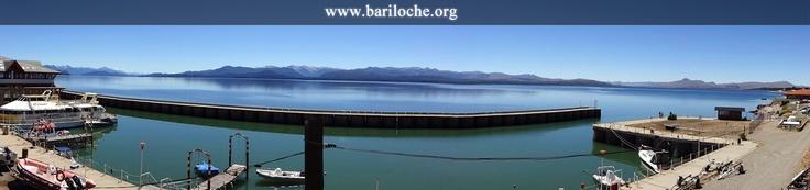 Hoy un día espectacular en Bariloche! Les dejamos una foto de hace un ratito desde el Puerto San Carlos.    Bariloche en Internet: www.bariloche.org