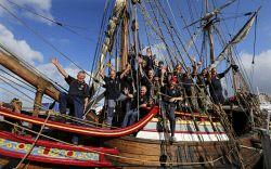 TWA-0051631 © WestPix Captain Robin Chester and his crew prepare to leave…