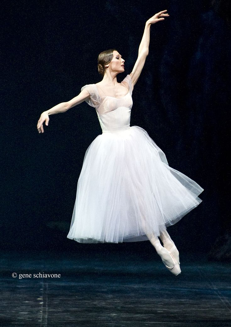 ZAKHAROVA | svetlana-zakharova-in-giselle-at-the-mariinsky-theatre-4.jpg