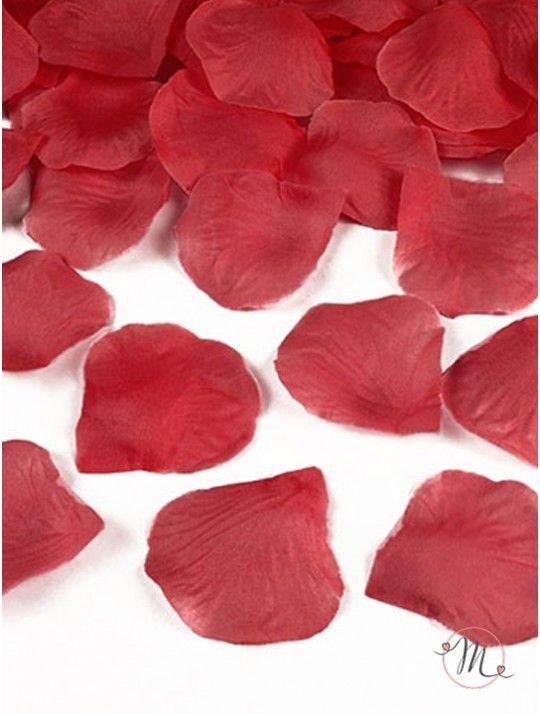 Petali in tessuto rossi. Petali in tessuto 100 pezzi. Ideali per allestimenti. #ricevimento  #allestimenti #matrimonio #ricevimentomatrimonio #nozze #weddingplanner #accessori #decori #tavoli #sedie #runner #fiocchi #wedding #weddingideas #ideasforwedding #petali #tessuto