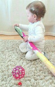 DIY Kugelspiel ab 1 Jahr fördert Feinmotorik und räumliches Denken - Blog für Eltern - Sternchen auf Erden