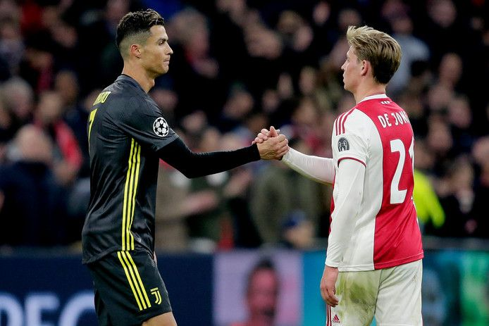 Frenkie En Ronaldo De Dirigent Versus De Dj Ajax Ad Nl Voetbal Posters Cristiano Ronaldo Ronaldo