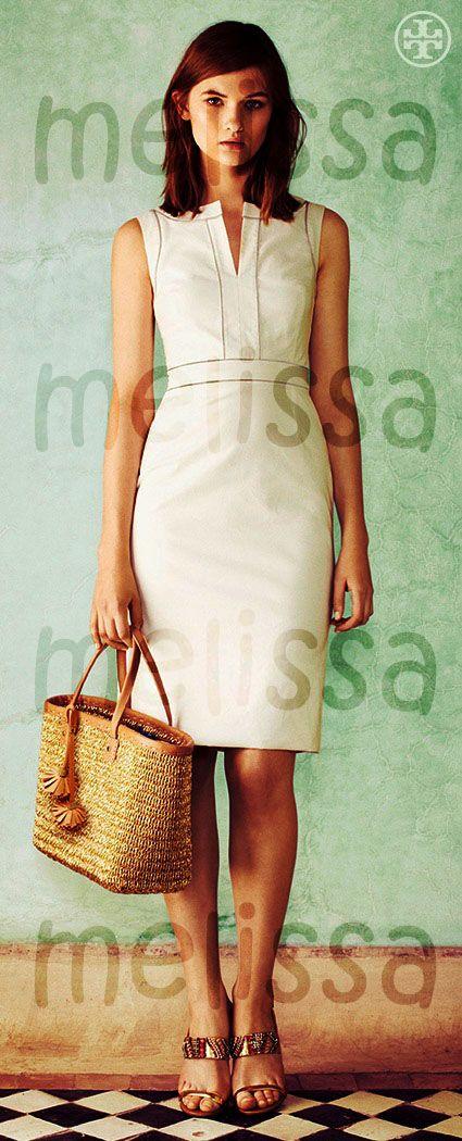 Vestido Estructurado, tu aliado infaltable. Un vestido estructurado lo puedes combinar de diferentes manera y siempre crearas nuevos looks. En este caso acentuara tu cintura.