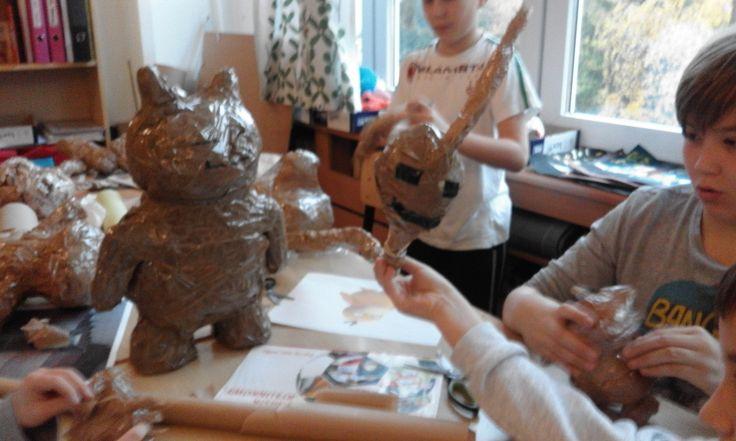Ćwiczenia rzeźbiarskie. Pokemony z papieru.