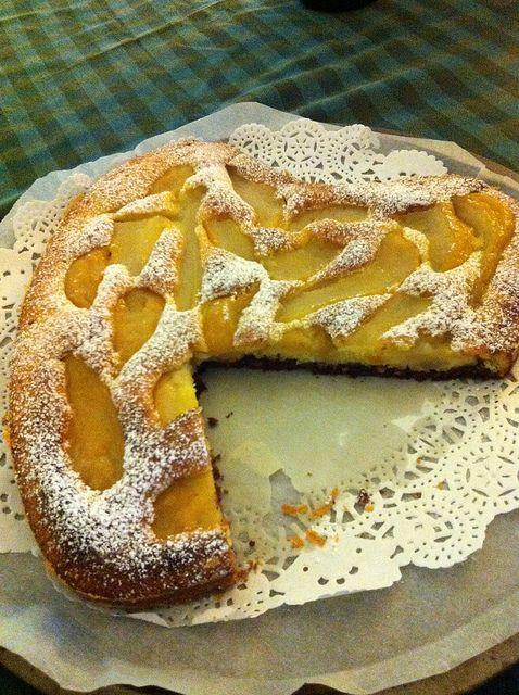 Torta bicolore alle pere e cioccolato di Anna Moroni