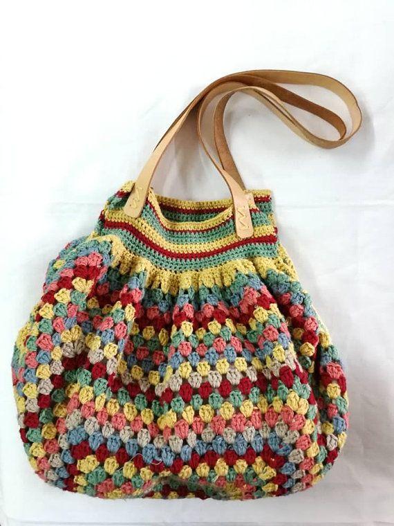 Bolso tejido a mano, a crochet, con hilo en lino: colores- verde jade, mostaza, …
