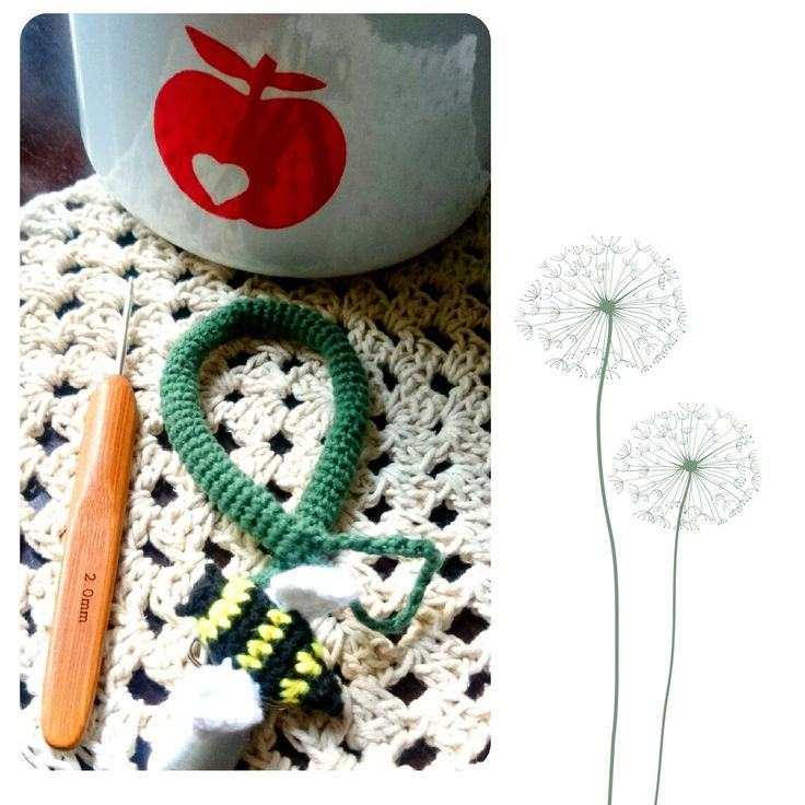 Crochet dummy clip with a bee 3D applique 🐝🐝🐝
