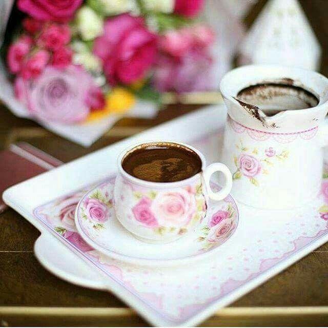 لا يحلو الصباح إلا  باحتساء فنجان قهوة