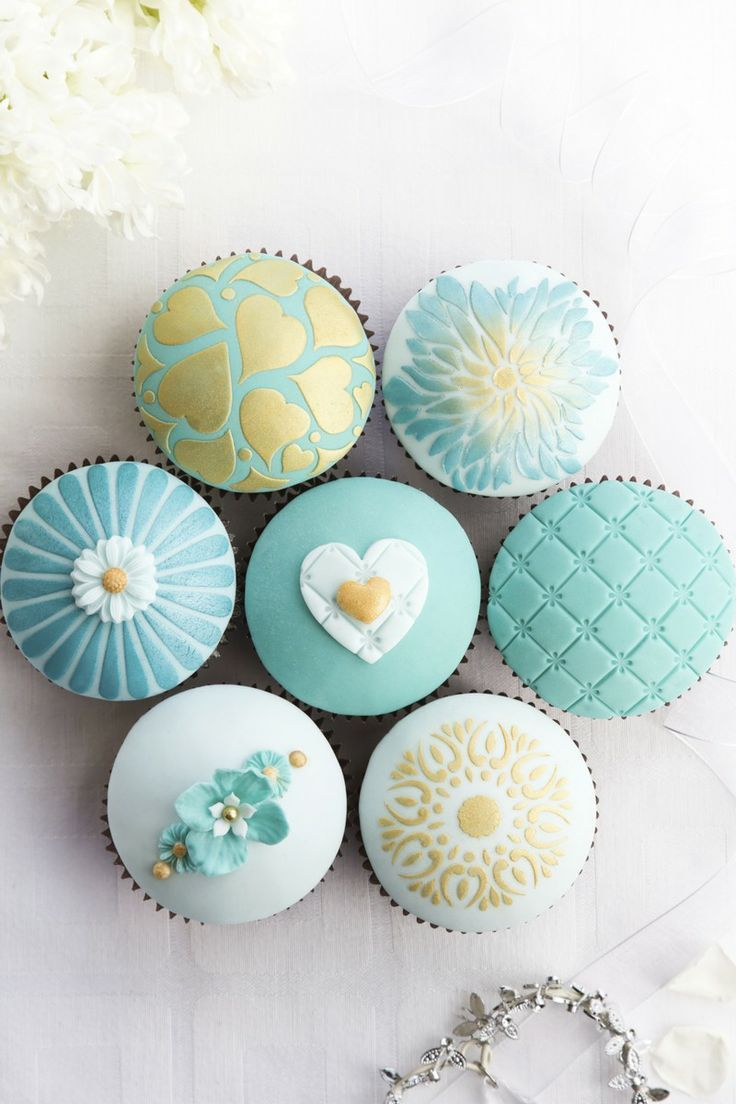 ~blue fancy cupcakes