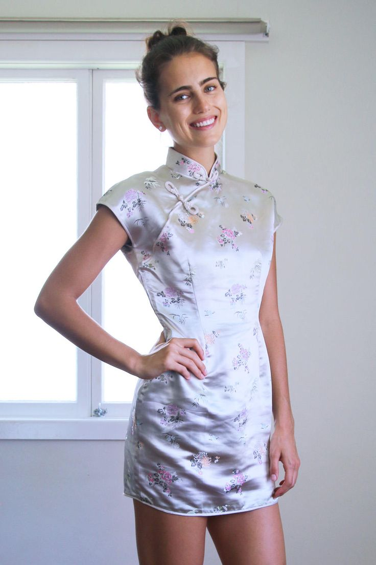 Silver White Satin 90 S Cheongsam Dress Vintage Size 8