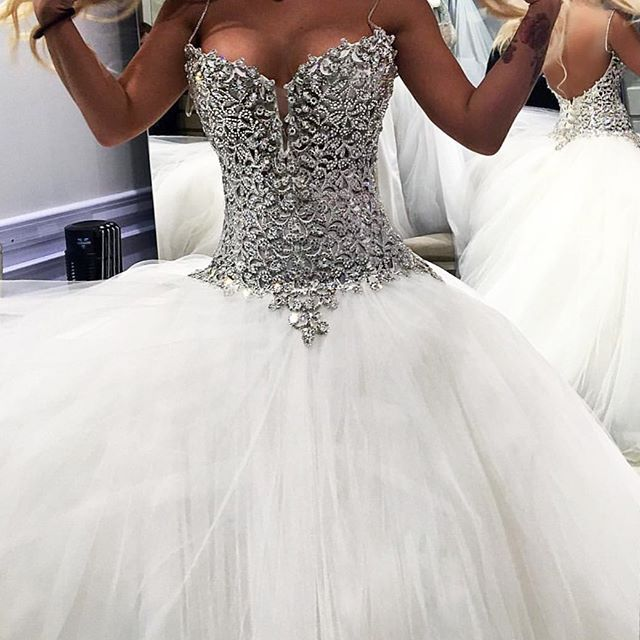 Help our future #PninaBride @jellydevote! Should she say YES to this dress ? #PninaQueenOfBling