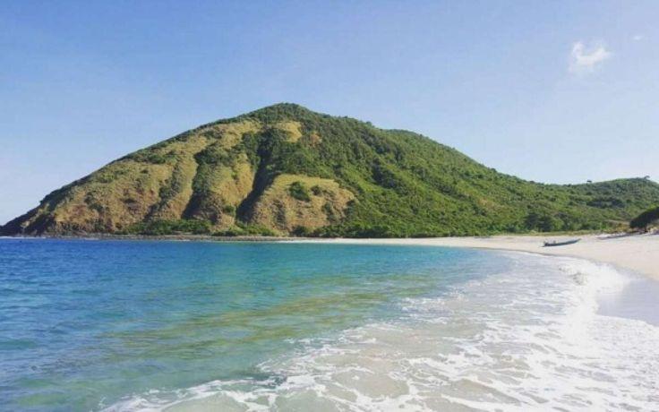 Pantai Mawun Surga Wisata Komplit di Nusa Tenggara Barat - Nusa Tenggara Barat