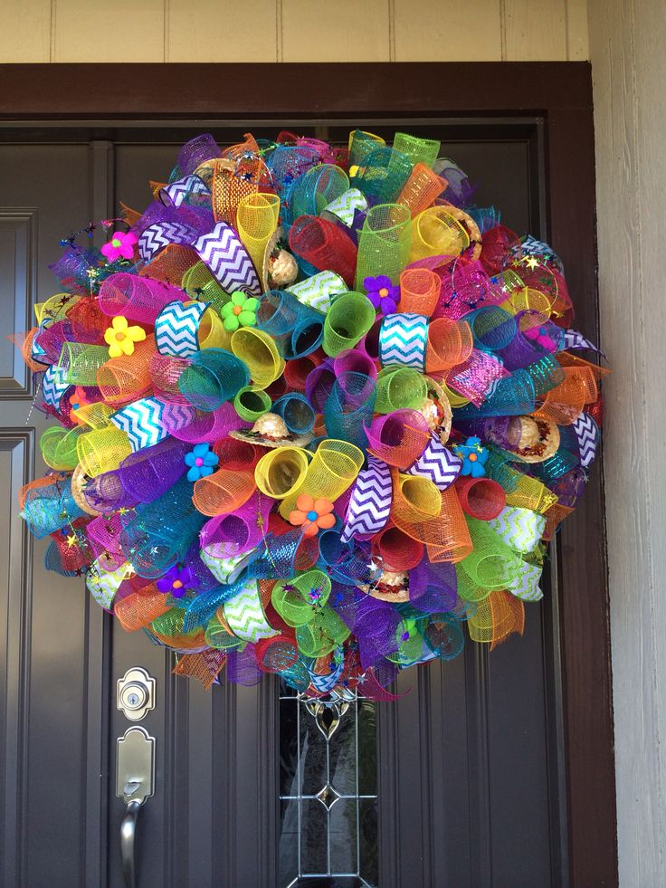 Fiesta spiral deco mesh wreath