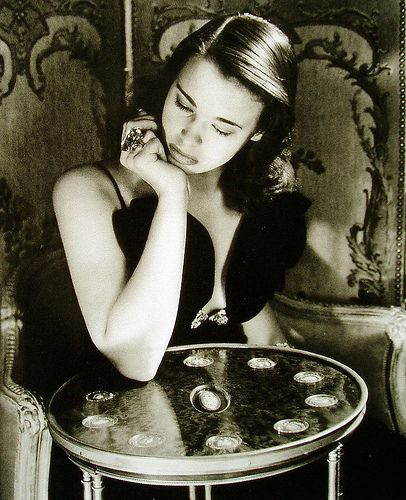 French Sampler: Something for the Weekend - Gloria Vanderbilt - The statement ring.