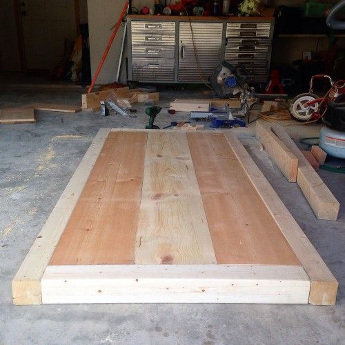 There's something about 4×4 lumber that makes furniture look amazing. Maybe it's the sturdiness, maybe it's the shape. Whatever it is, I love it! A friend of mine recently as…
