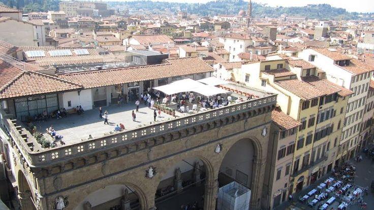 la terrazza sul tetto di Firenze ... — in Florence, Italy.