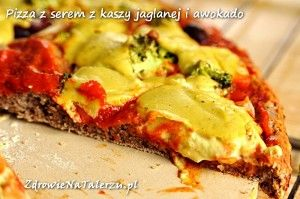 "Pizza w/ millet & avocado ""cheese"""