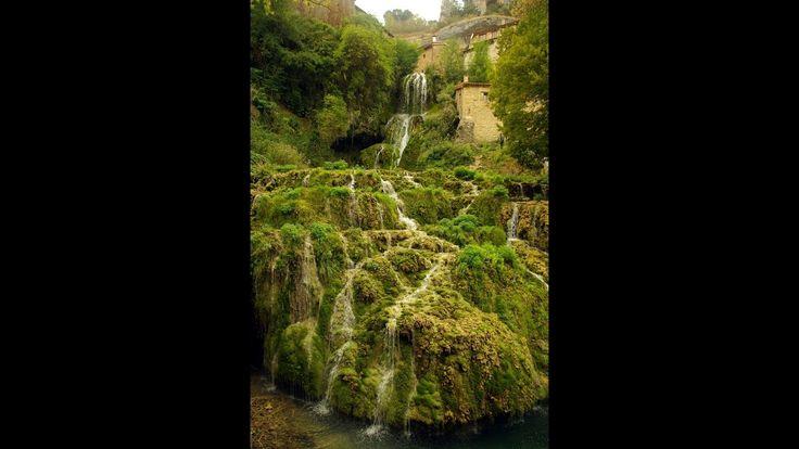 Fotos de: Burgos  - Orbaneja del Castillo - Pueblo con encanto