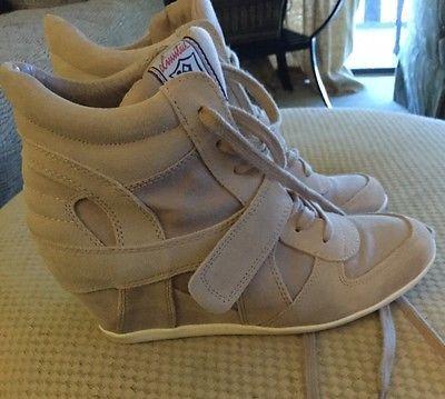 Ash italia bowie woman size 40 /fit 9 . Beige suede fashion Wedges White sole