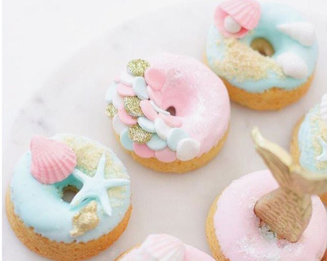 Yaaas!!!  after dinner mermaid treats from @sweets_withlove • • • • • • #heysister#food#yum#sweets#treat#mermaid#dessert#doughnuts#love#gorgeous#foodart#talent#foodporn#dessertporn#love#girls#sister#happy#dessertinspo#baking