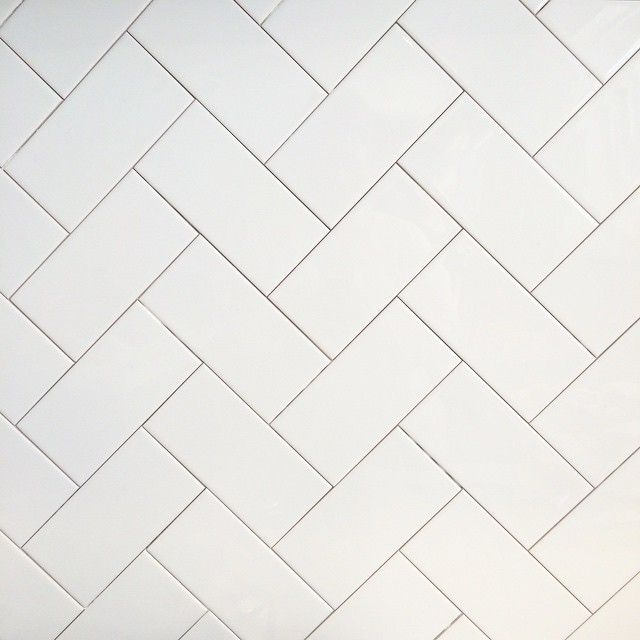 Herringbone backsplash at our modern farmhouse renovation | Photo and design by @cottonwoodinteriors