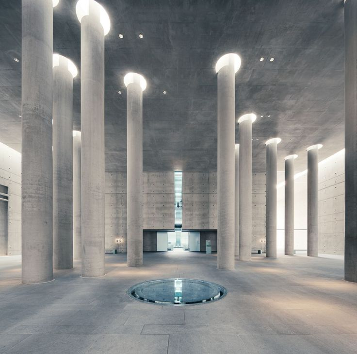 Crematorium Baumschulenweg / Shultes Frank Architeckten | Stützen | Wasserbecken