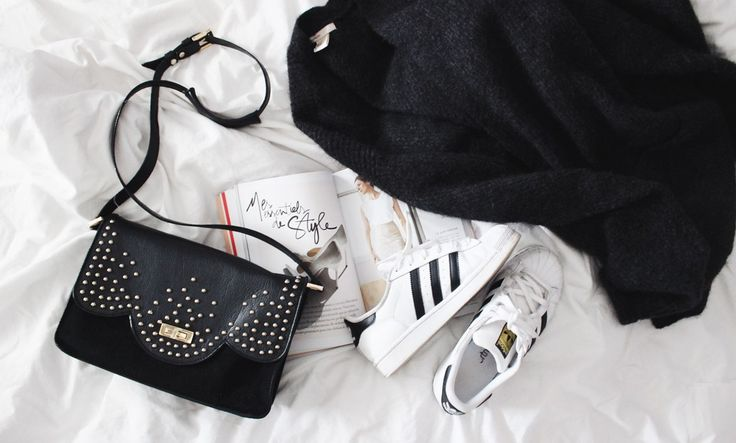 Perfect combo: Betty x Lancaster shoulder bag, Stan Smith and Garance Dore's book. (Pic from Something to Wear) #bettyxlancaster #lancasterparis #lancaster #bag #rock #blackandwhite #sneakers #stansmith #garancedore #lovestylelife #pullover