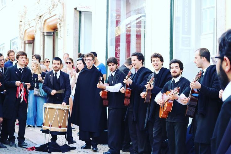 A tuna is a group of university students in traditional university dress who play traditional instruments and sing serenades. The tradition originated in Spain and Portugal in the 13th century as a means of students to earn money or food. #nature #naturephotography #photograph #photo #photography  #lisboa #lisbon #portuguesestudents #tradition #ilovemycity