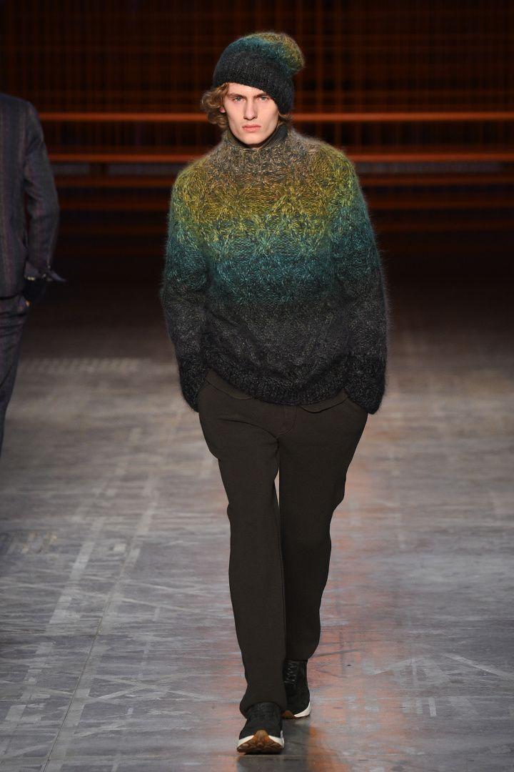 Missoni | Menswear - Autumn 2017 | Look 15 marled ombre stripe
