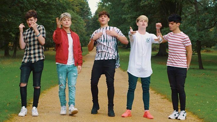 De single 'Reggaetón Lento' van CNCO en Little Mix is onder handen genomen door de boys van RoadTrip.