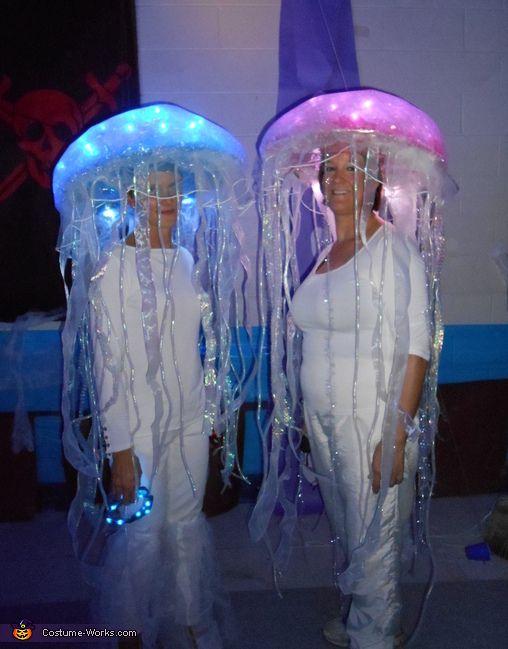 DIY Jellyfish Costumes - Halloween Costume Contest via @costume_works