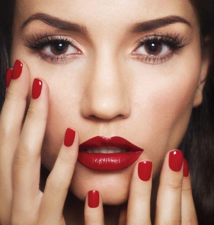 ▷ 1001 + idées pour trouver le meilleur tuto maquillage   Tuto maquillage,  Maquillage lèvres rouges, Maquillage yeux smoky
