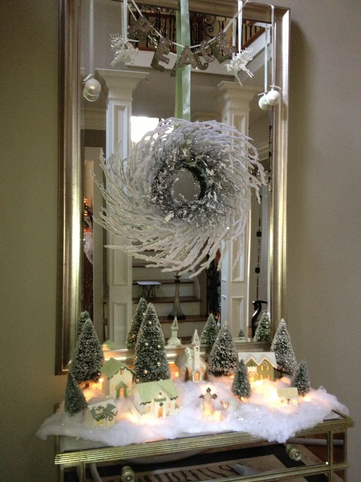 Foyer Table Christmas Decor : Foyer table scape kay s crazy christmas decorations