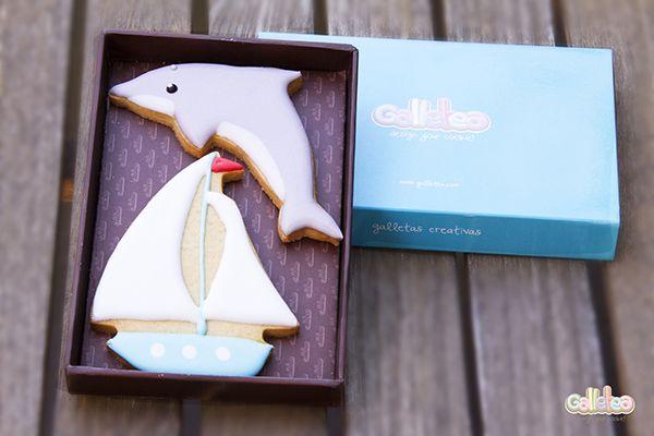 """""""Delfín y barquito velero"""" Diseño propio que encontrarás en: http://www.galletea.com/galletas-decoradas/"""