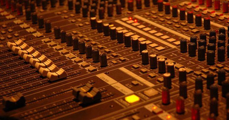 Como trabalhar com a redução de ruído no Sony Sound Forge 9. O Sony Sound Forge 9.0 é a primeira versão do famoso programa de edição de áudio que vem com uma extensão de redução de ruído. O redutor de ruídos da Sony é uma ferramenta poderosa para ajuste fino de uma faixa ou para limpar sons indesejáveis de fundo de um áudio gravado. Embora ainda não seja possível recuperar áudios completamente distorcidos, ...