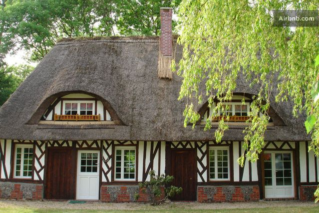 Lovely thatched house in Normandy in Plasnes