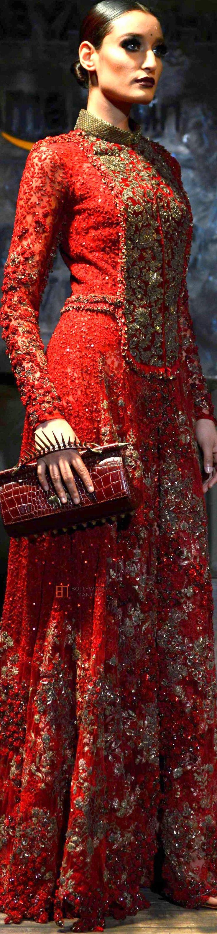 Sabyasachi Mukherjee at Amazon INDIA Couture Week 2015