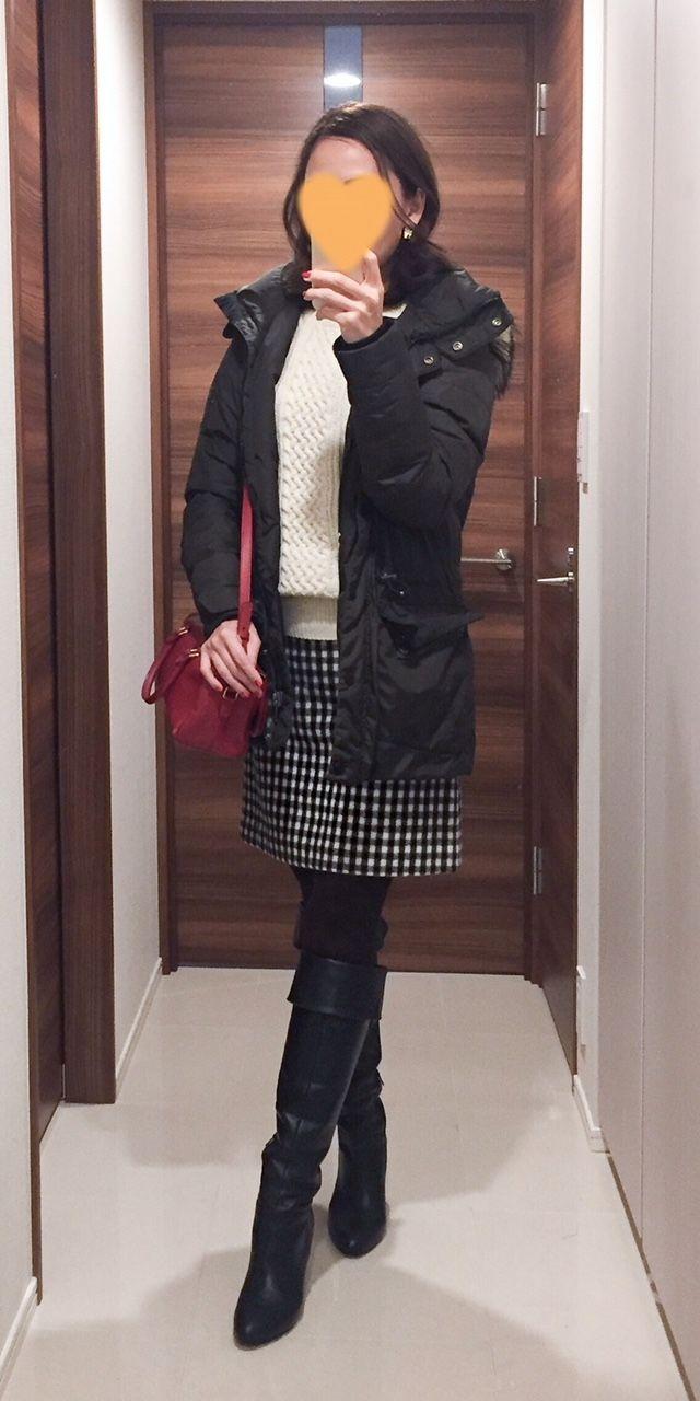 - Khaki down coat: Ralph Lauren - Sweater: Uniqlo - Skirt: MACKINTOSH PHILOSOPHY - Bag: Saint Laurent - Boots: Mode et Jacomo
