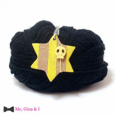 Yellow star & skull long pendant made of cork.